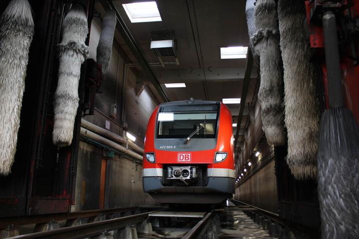 40 Liter Wasser benötigen die Waschstraßen pro Meter Zug.