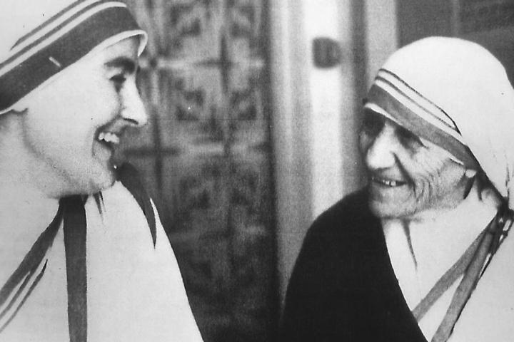 Mutter Teresa (r.) bei ihrem Besuch in Karl-Marx-Stadt.