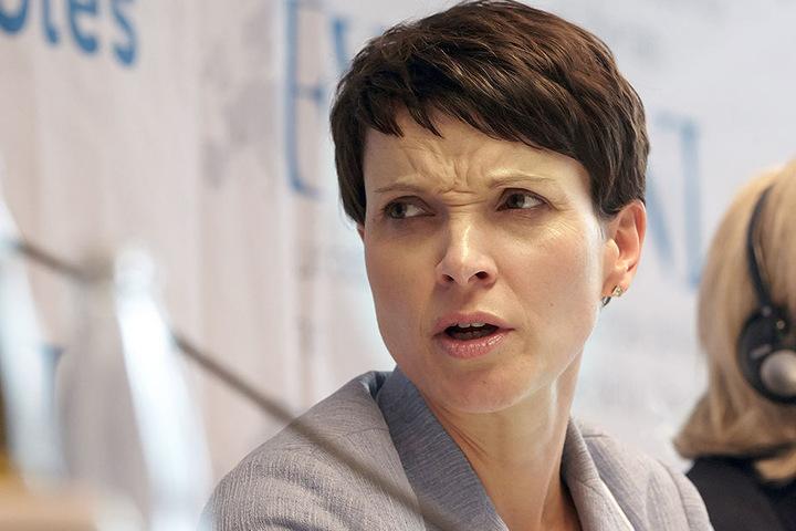 AfD-Vorsitzende Frauke Petry ist vom 22. bis zum 24. April in Köln mit ihrer Partei.