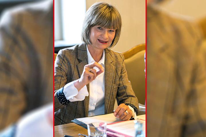 OB Barbara Ludwig (56, SPD) ist von den finanziellen Abgründen im Theater überrascht.
