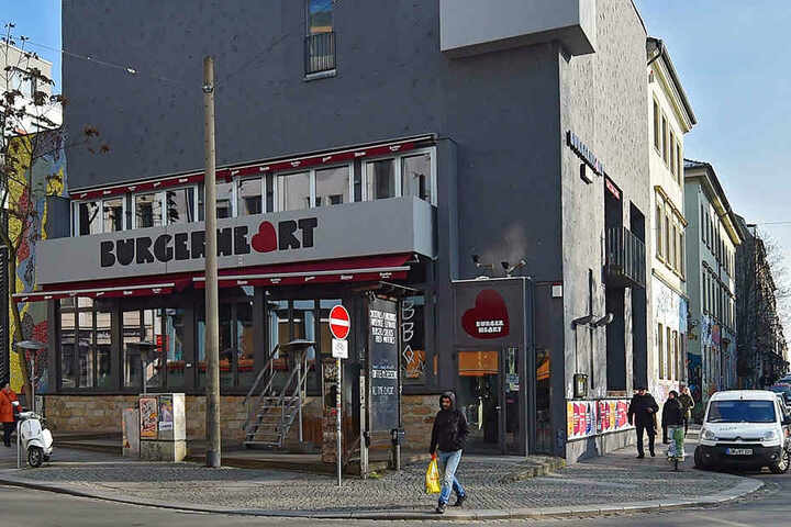 Die graue Fassade des Neustadt-Restaurants soll bunt aufgepeppt werden.