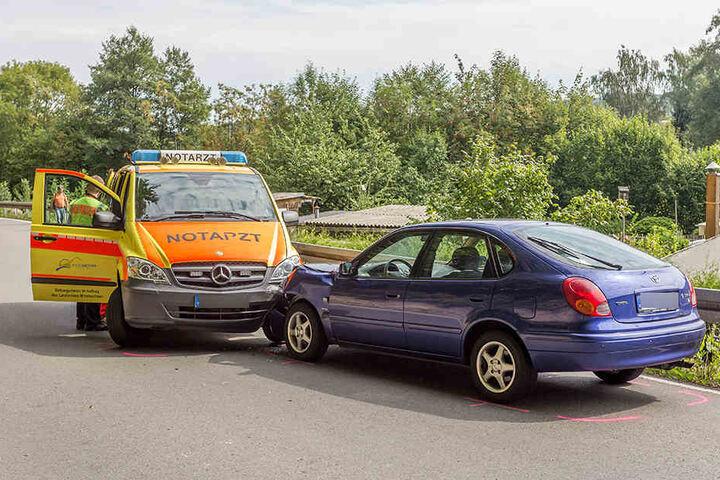Der Krankenwagen war gerade im Einsatz, als der Unfall passierte.