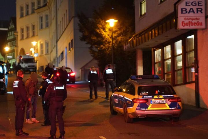 Polizisten während eines SEK-Einsatzes.