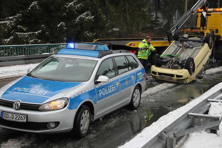 Insgesamt entstand ein Sachschaden von etwa 5000 Euro.