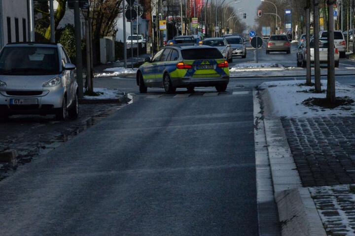 Die Polizei sperrte den Bereich der Unfallstelle ab.