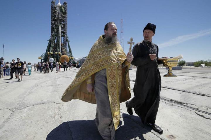 Ein orthodoxer Priester wurde in Bosnien und Herzegowina wegen Waffenhandels festgenommen. (Symbolbild)