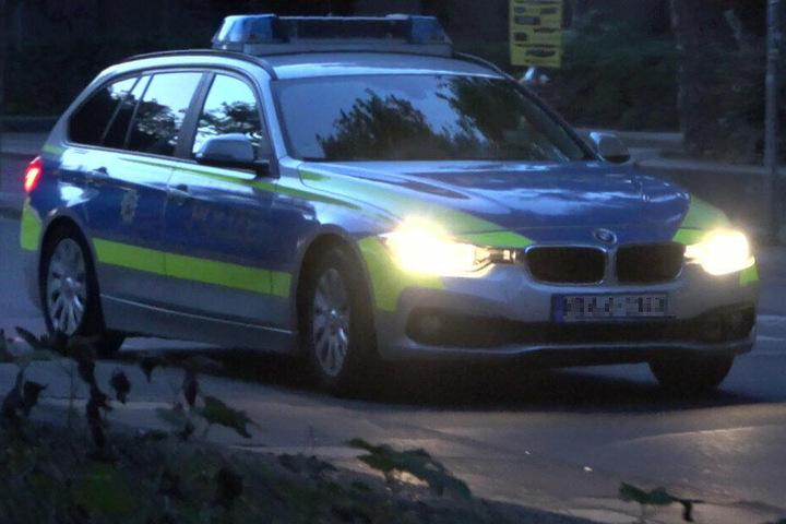 Die Polizei fahndet nach dem mutmaßlichen Täter.