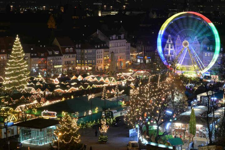 Bislang besuchten schätzungsweise zwei Millionen Besucher den Weihnachtsmarkt in Erfurt.