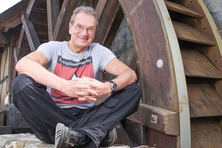 """Im Winnie Puh-Film lieh Joachim Kaps (66) Tigger seine Stimme - auf der CD spricht """"Brummkreisel-Achim"""" den Weihnachtswichtel."""