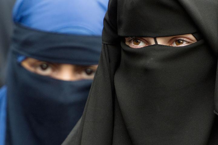 Empörung über Boris Johnson: Ex-Außenminister verunglimpft Burkaträgerin