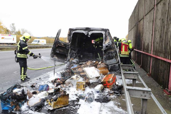 Alle Pakete sind bei dem Feuer vernichtet worden.