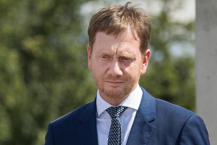 Ministerpräsident Michael Kretschmer (43,CDU) will sich Freitag selbst über die Folgen des Angriffs informieren.