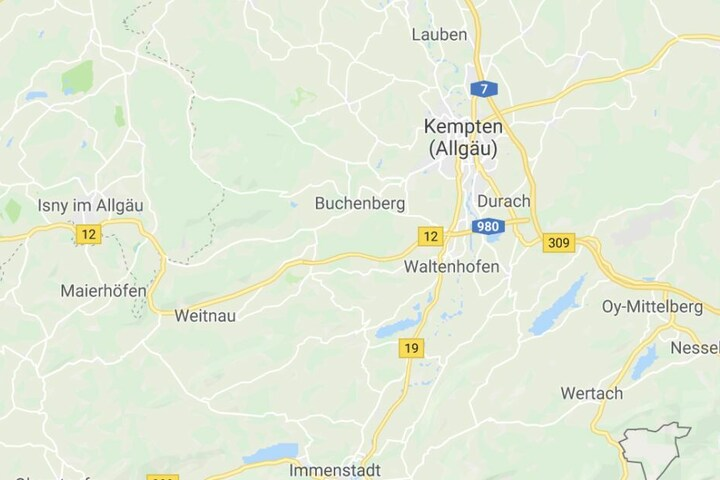 Auf der Bundesstraße 12 zwischen Waltenhofen und Weitnau ist es in Bayern zu einem Unfall gekommen.