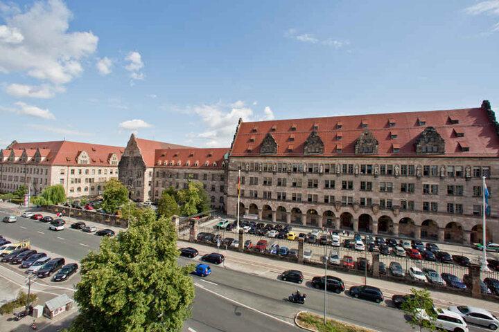 Der Prozess findet am Landgericht Nürnberg-Fürth statt. (Archivbild)