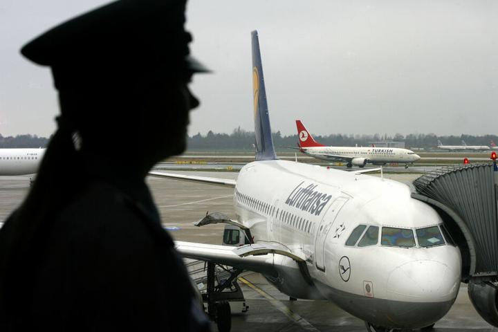Nach der Bezahlung der Geldstrafe durfte der 29-Jährige wie geplant nach Kuba fliegen (Symbolbild).