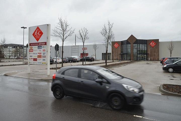Den Parkplatz am Altchemnitz Center an der Annaberger Straße haben die Hooligans als Treffpunkt auserkoren.