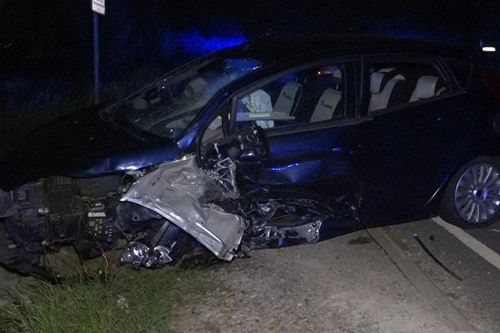An beiden Fahrzeugen entstand ordentlich Blechschaden.