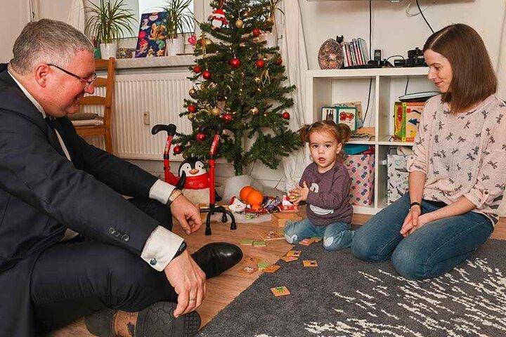 SPD-Politiker Thomas Baum mit Elena und Mutter Marie.