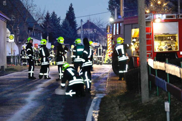 Insgesamt 66 Kameraden der Feuerwehr waren bei dem Brand im Einsatz.