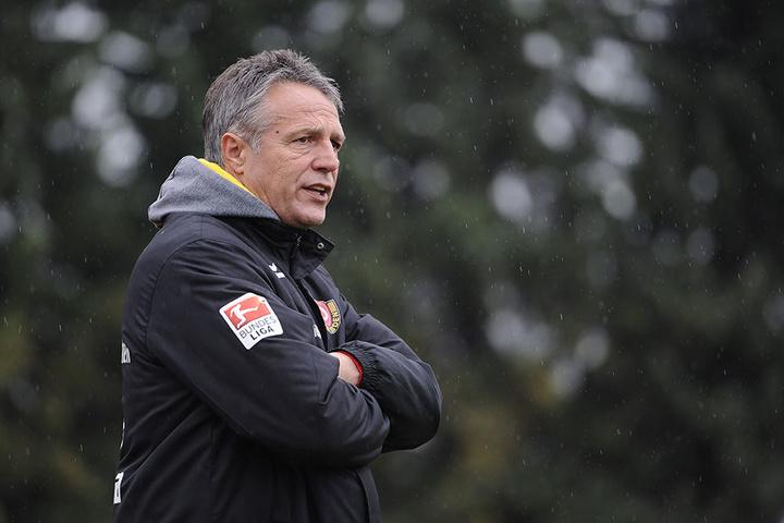 """Dynamo-Trainer Uwe Neuhaus sah in  Neugersdorf """"viele gute Ansätze""""."""