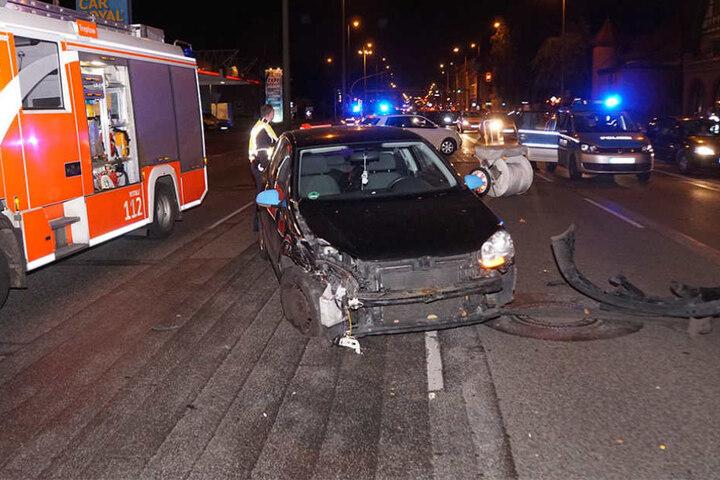 Der VW-Fahrer wurde bei dem Unfall lediglich leicht verletzt.