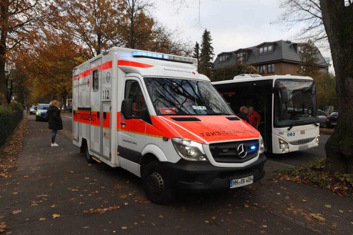Ein Rettungswagen versorgte den Jungen vor Ort.