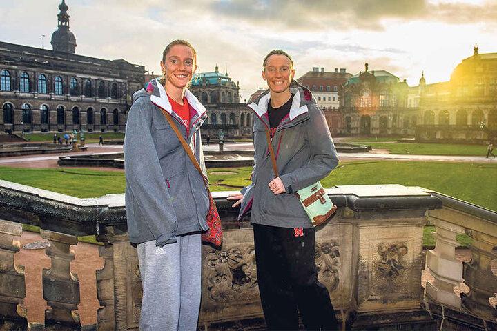 Für die Volleyball-Zwillinge Amber  und Kadie Rolfzen schien bei ihrer Stippvisite im Zwinger sogar mal kurz die  Sonne.