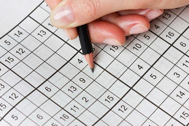 Bei Sudokus müssen Zahlen in die richtigen Felder eingetragen werden.