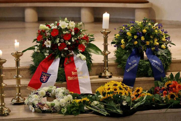 Volker Bouffier hatte der Familie des getöteten Jungen zuvor in einem persönlichen Gespräch seine Anteilnahme ausgedrückt.