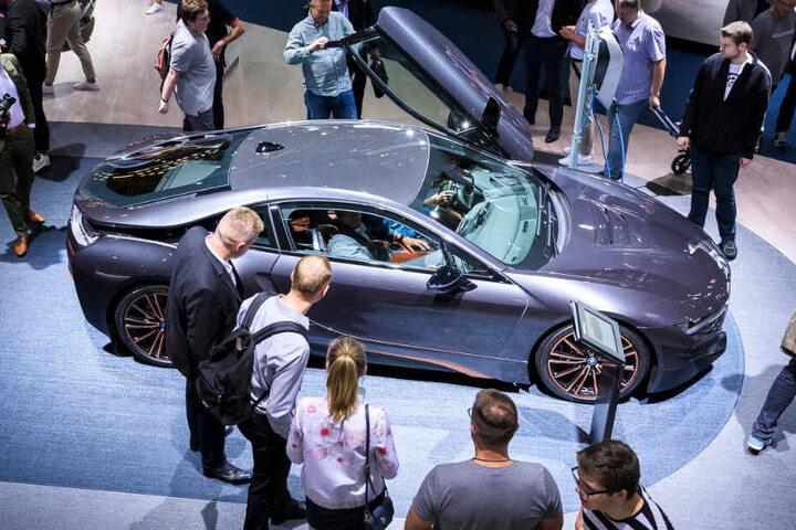 Die IAA in Frankfurt gilt als eine der weltweit größten und wichtigsten Messen der Automobilindustrie.
