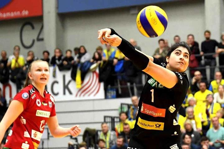 DSC-Libera Amanda Benson hatte in Schwerin alle Hände voll zu tun und in der Annahme einige Probleme.