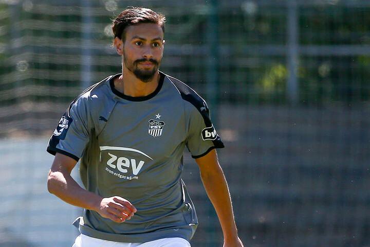 Aber auch Alexandros Kartalis könnte auf Linksaußen spielen.