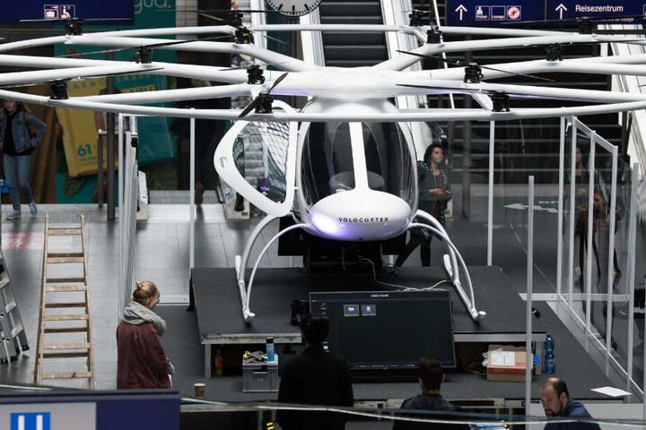 "Das Flugtaxi ""Volocopter"" im Berliner Hauptbahnhof. (Archivbild)"
