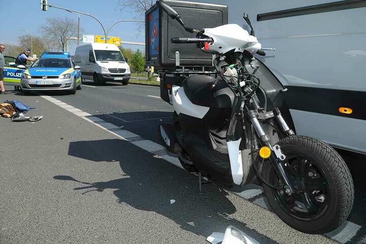 Der Fahrer des Rollers wurde schwer verletzt und kam in ein Krankenhaus.