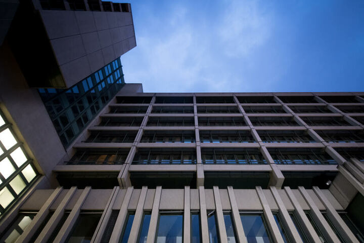 Für den Prozess am Oberlandesgericht in München sind 23 Verhandlungstage angesetzt. (Archivbild)