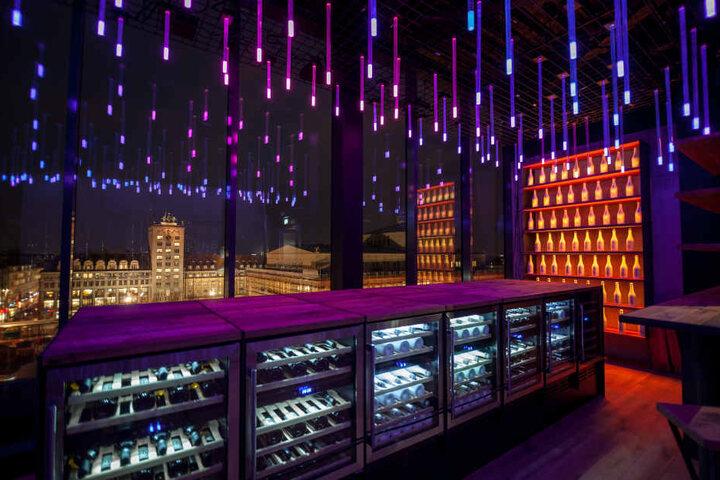 Diese Lichtinstallation im Bereich des FELIX wurde vom Wiener Architekten sha. persönlich präsentiert.