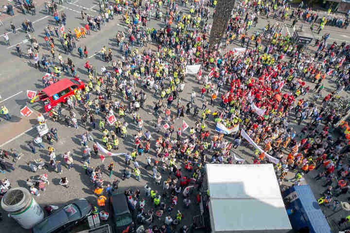 So sah es am Mittag auf dem Bielefelder Jahnplatz aus.