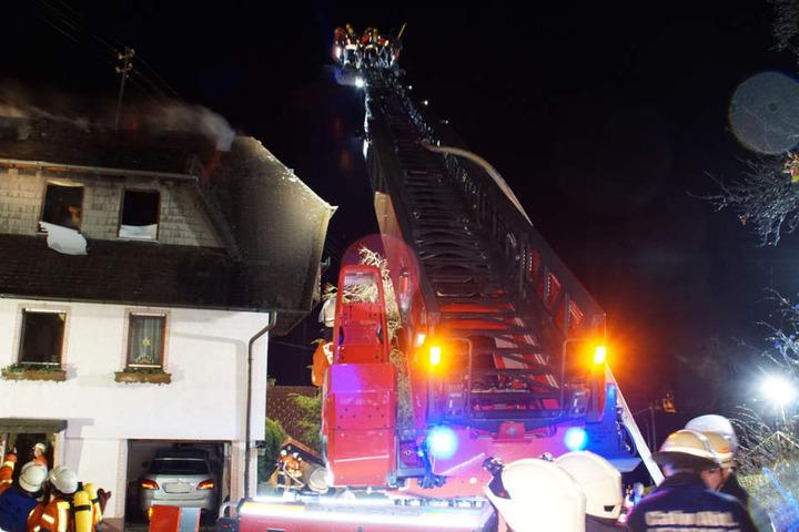 Ein 75 Jahre alter Mann starb bei dem Brand.
