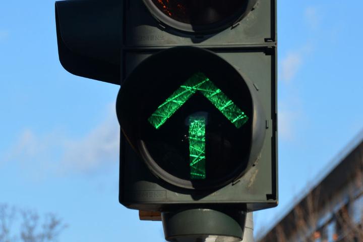 """Die Ampel stand auf """"grün"""", aber der Mann schlief weiter. (Symbolbild)"""