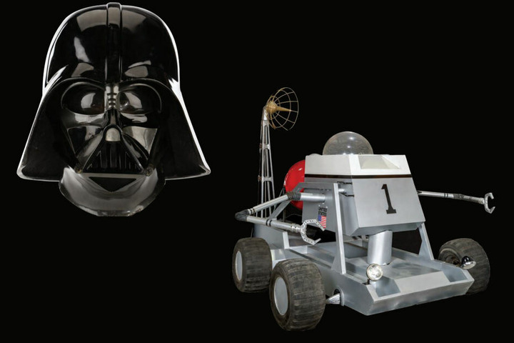 Für Darth Vaders Helm erhoffen sich die Auktionäre 250.000 bis 450.000 US-Dollar. Bonds Mondbuggy soll 400.000 bis 600.000 Dollar bringen.