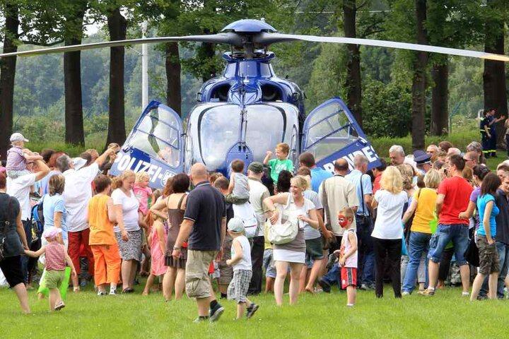 Bei der Technikschau kann man unter anderem einen Hubschrauber bestaunen.