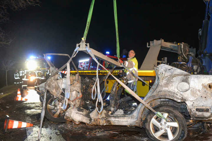 Drei der vier Insassen dieses Autos verbrannten.
