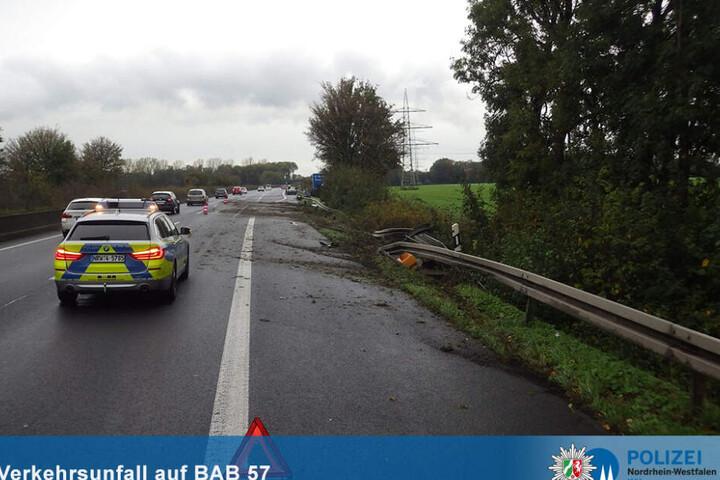 Die Leitplanke auf der A57 wurde ebenfalls beschädigt.