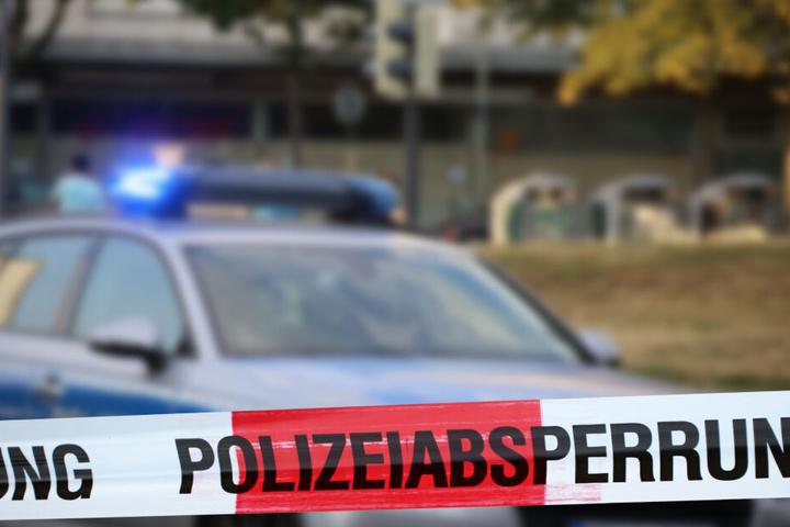 Aus Sicherheitsgründen hatte die Polizei in Folge der Explosion eine Marburger Postfiliale geräumt (Symbolbild).