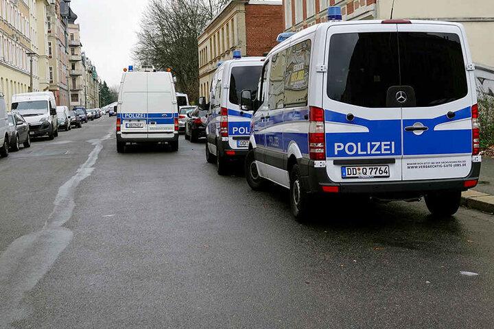 Die Razzia fand in einem Mehrfamilienhaus in der Jakobstraße statt.