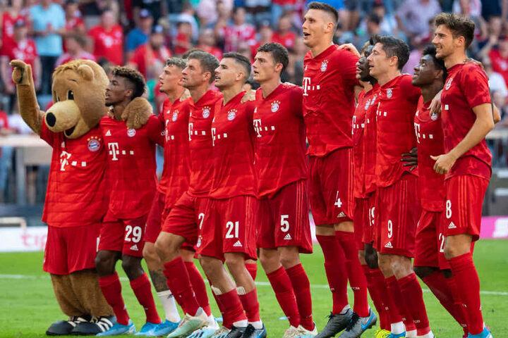 Der FC Bayern München feiert den zweiten Saisonsieg und trifft am nächsten Spieltag auf RB Leipzig.