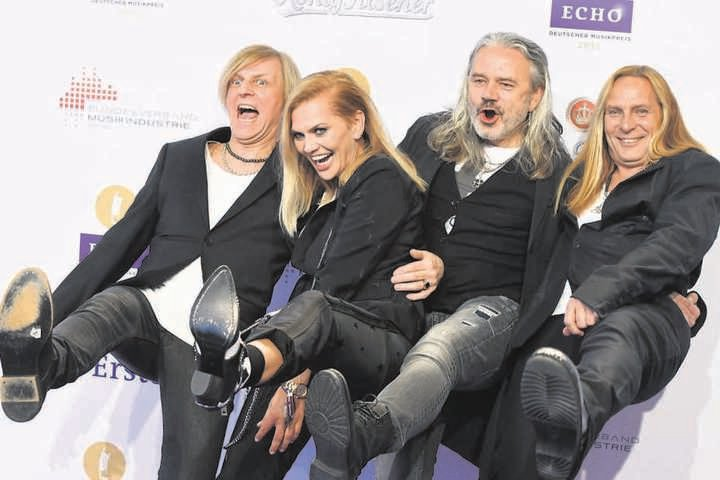 """Anna und ihre Jungs: Bei """"Silly"""" hat Anna Loos 2006 ganz offiziell die Nachfolge für Frontfrau Tamara Danz (†43) angetreten, die 1996 an Krebs gestorben war."""