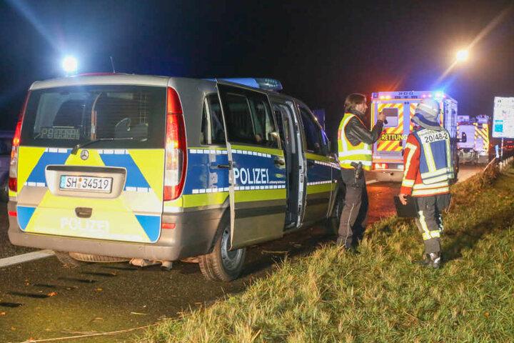 Polizei und Feuerwehr hatten bei dem Einsatz viel zu tun.