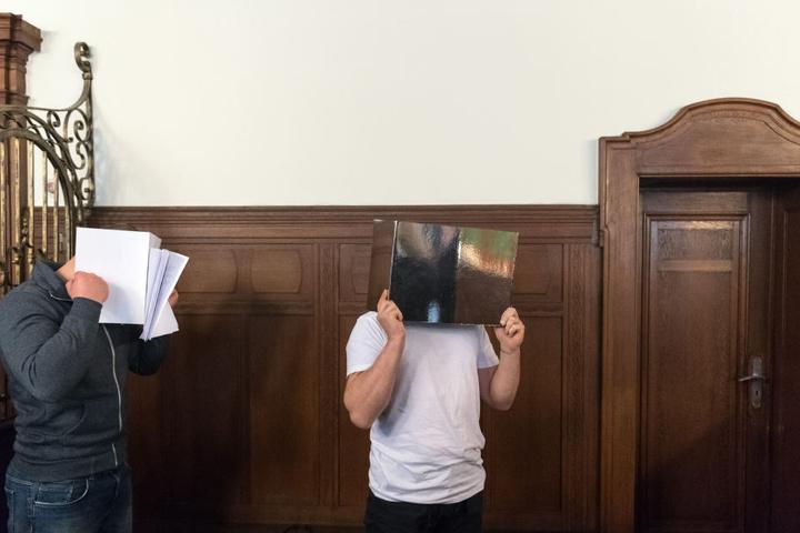 Die Angeklagten Pawel A. (31, r.) und Adam K. (24) wurden nun verurteilt.