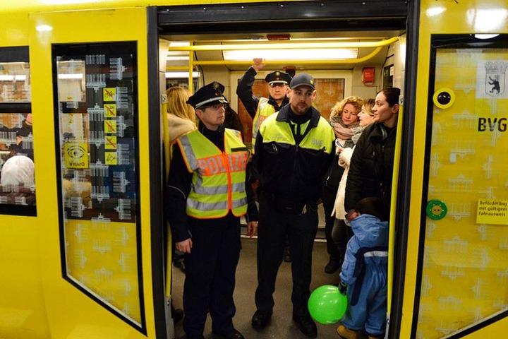 Polizei und BVG-Sicherheitsdienst gehen künftig auf besonders gefährlichen U-Bahn-Linien gemeinsam auf Streife.
